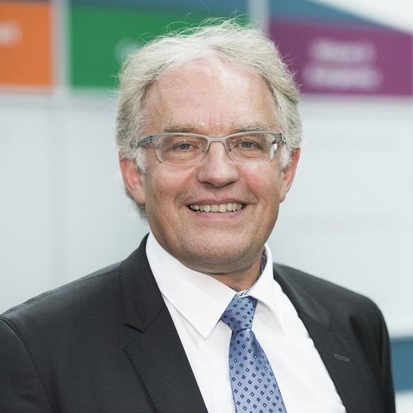 Dr. Götz Richter