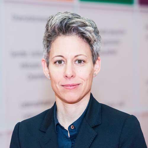 Dr. Julia Borggräfe
